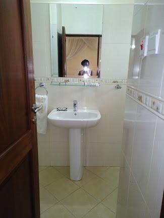 Ensuite Bathroom in the Deluxe Room